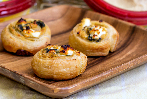 a-hummus-pinwheels-with-spinach-and-feta-by-pastrychefonline