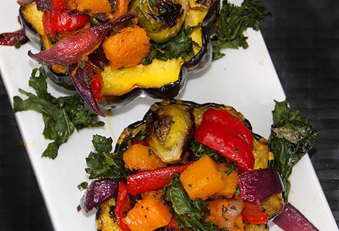 Roasted Squash Stuffed With Roasted Vegetables - Panning The Globe