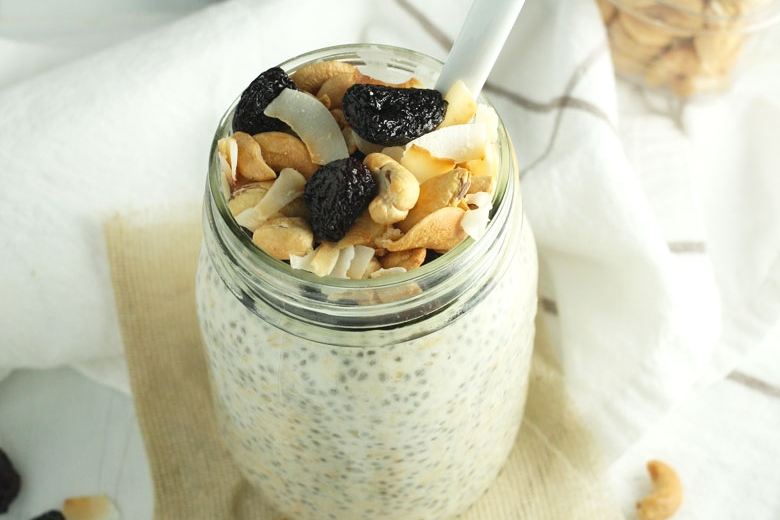 Cherry-Coconut-Overnight-Oats-by-24carrotlife