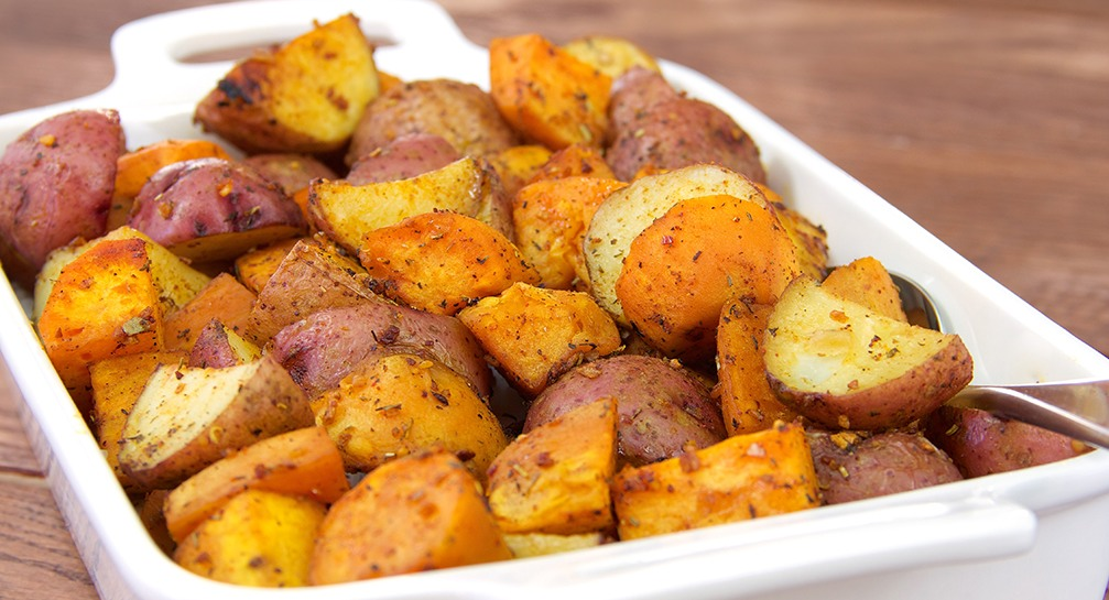 Onion and Herb Roasted Potato Medley_Recipes_1007x545